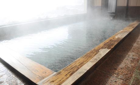 写真:内風呂全景